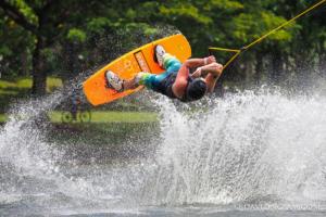 ac-wakeboard-2135